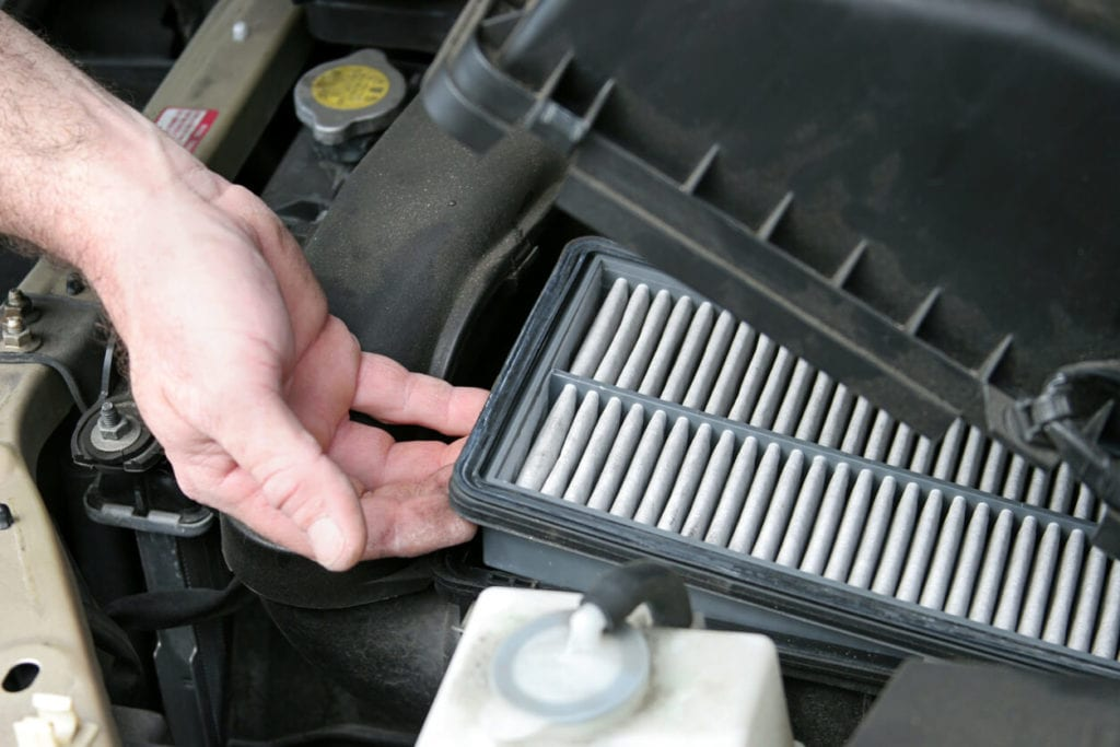 How to maximize your car fuel efficiency - replace your filters